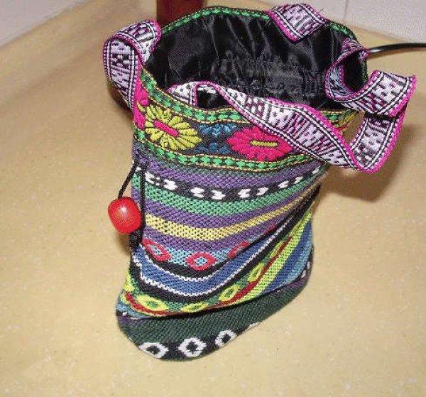 画像1: チベットリス族の伝統織り刺繍ポーチ (1)